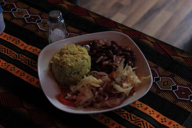 Zum Vortrag gab es tansanisches Essen